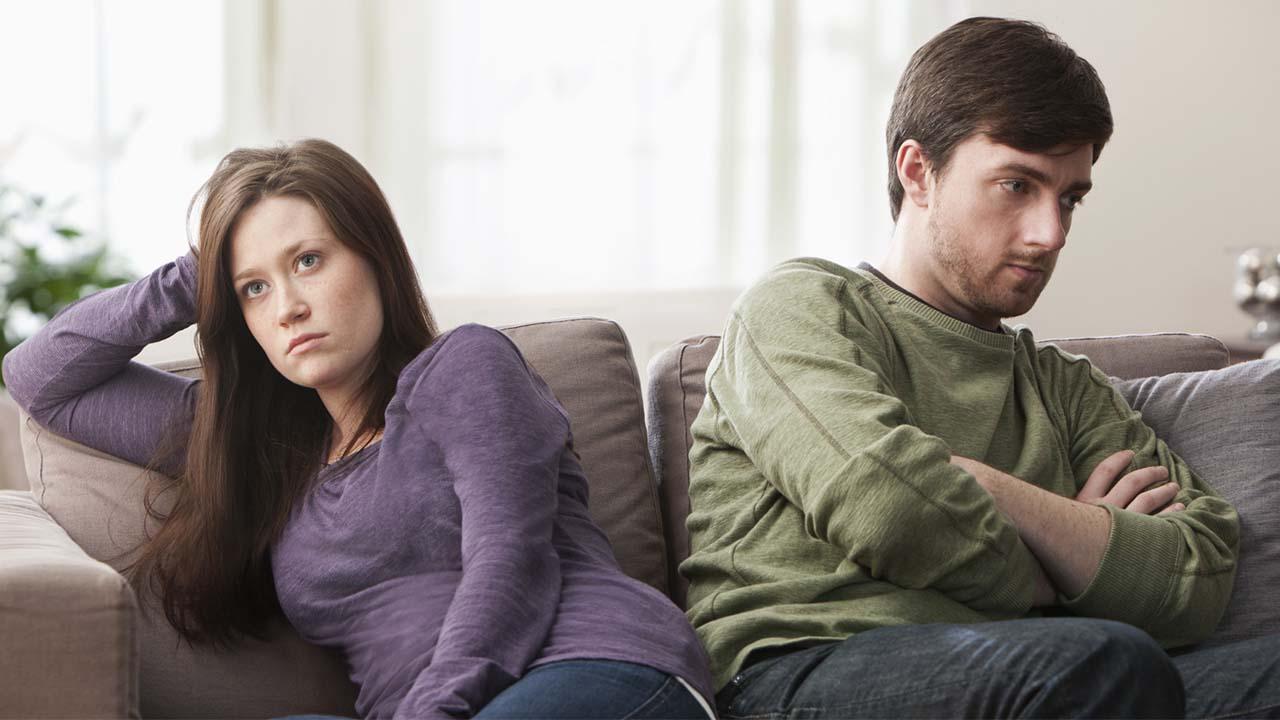 Партнёр ревнует: истинная причина и выход из ситуации